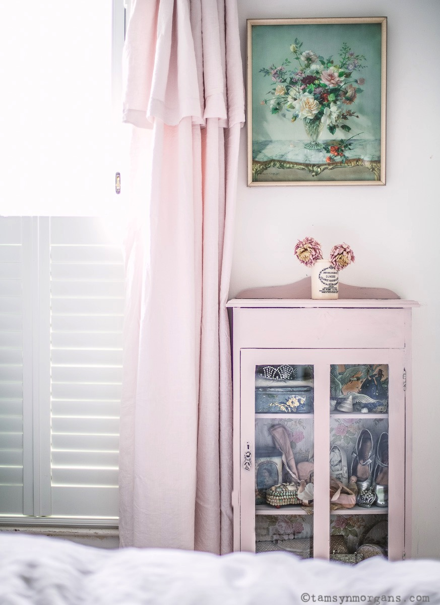 Pink Shabby Chic cupboard
