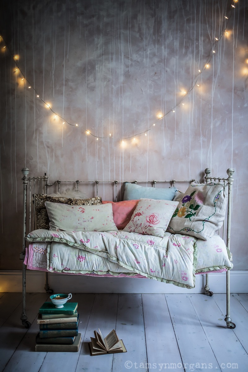 Vintage Daybed – A Cosy Corner