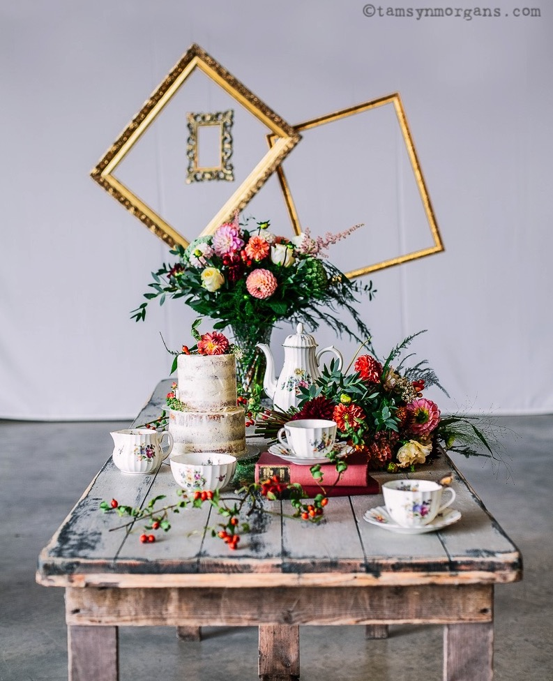 Vintage wedding styling