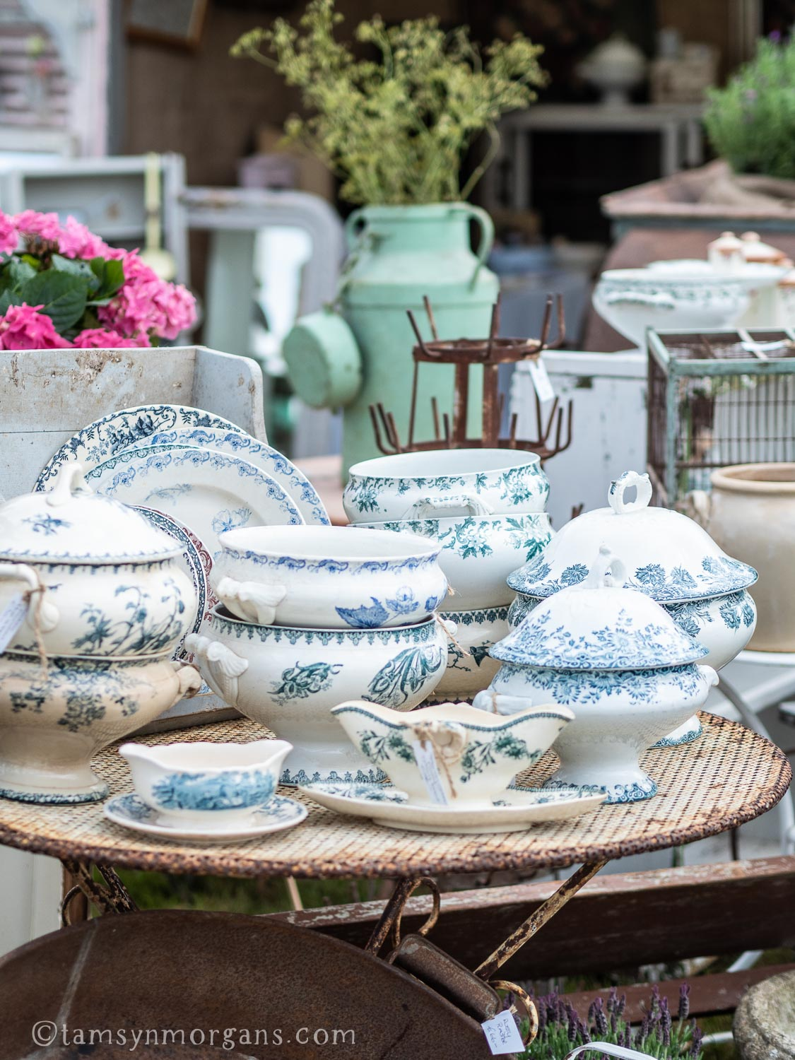 Blue and white transferware at the Country Brocante