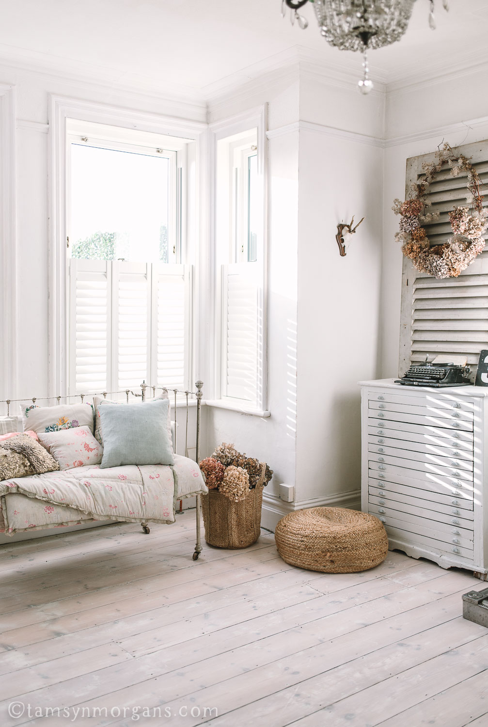 French daybed in living room