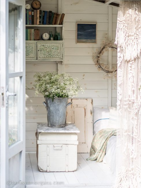 Summerhouse with vintage furnishings